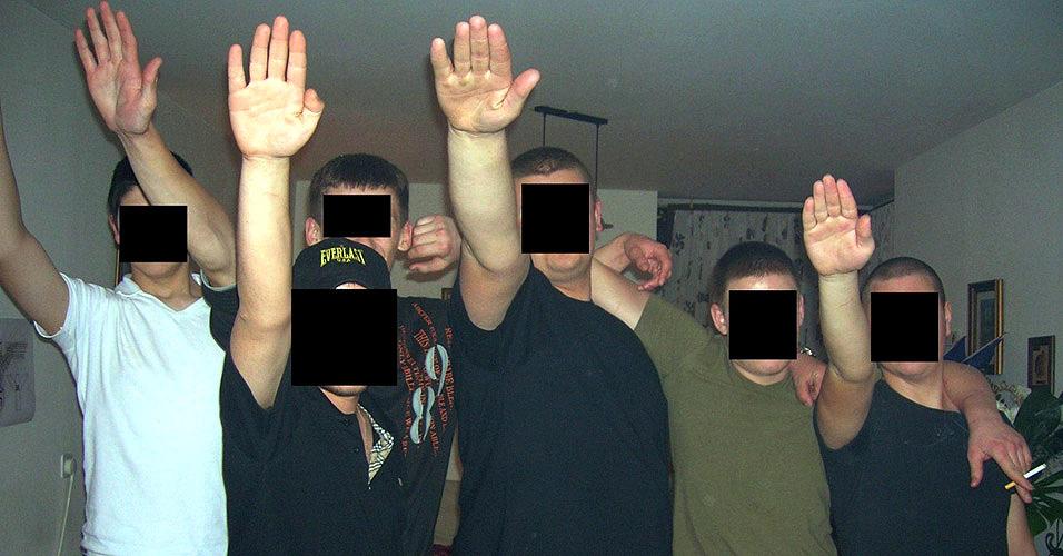 Fuvest 2001 - neonazismo